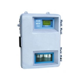 CL17D residual (total) chlorine analyzer-pipeline version